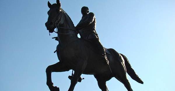 Estatua de Calixto García