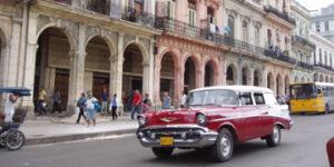 Coche antiguo en La Habana
