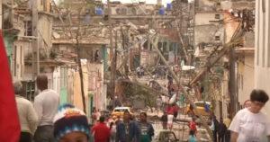 Destrozo del tornado en La Habana