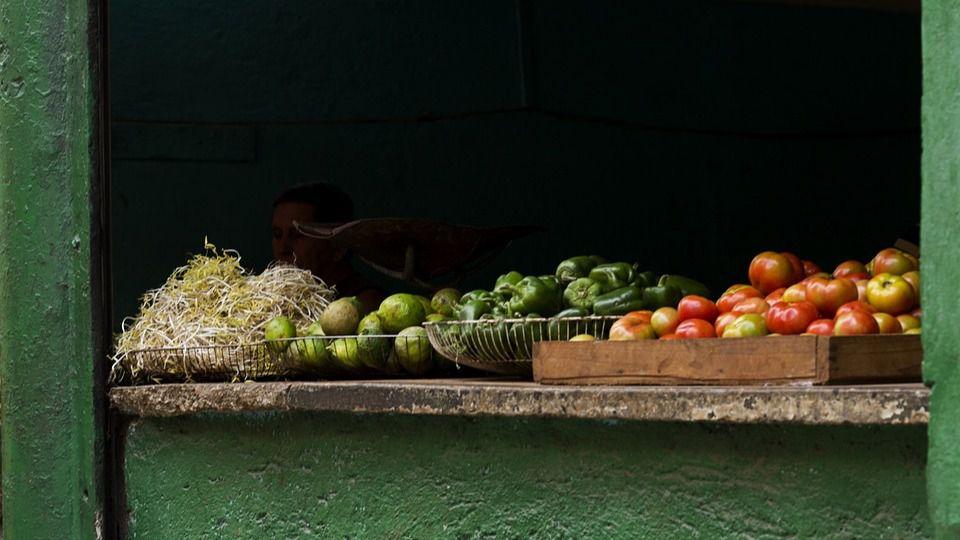 Puesto de frutas en Cuba